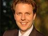 """<strong>Christian Solmecke</strong><br /> """"Google Glass und Datenschutz""""<br /><br />  Christian Solmecke ist als Rechtsanwalt in der Kölner Kanzlei WILDE BEUGER SOLMECKE tätig, die sich auf die Beratung der Fernseh-, Film- und Entertainmentbranche spezialisiert hat. In den vergangenen Jahren hat er den Bereich Internetrecht stetig ausgebaut. Neben seiner Kanzleitätigkeit ist er Geschäftsführer des Deutschen Instituts für Kommunikation und Recht im Internet (DIKRI) an der Cologne Business School. Dort beschäftigt er sich insbesondere mit den Rechtsfragen in sozialen Netzen. Als Lehrbeauftragter der FH Köln ist Solmecke für den Bereich Social Media und Recht zuständig."""