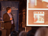 Marcel Thiesen präsentierte eine Reihe von nützlichen Augmented-Reality-Anwendungen, beispielsweise die mobile IKEA-Katalog-App, mit der man das favorisierte Möbelstück schon vor dem Kauf im eigenen Wohnzimmer begutachten kann.