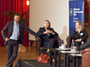 Studiengangsleiter Holger Berens, Vanessa von Scheidt (Ernst & Young) und Dr. Christiane Kniebes (Richterin am Amtsgericht Essen)